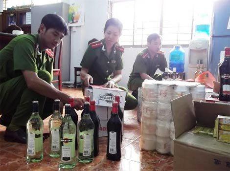 Mỗi chai rượu Chivas có giá chưa tới 1 triệu đồng
