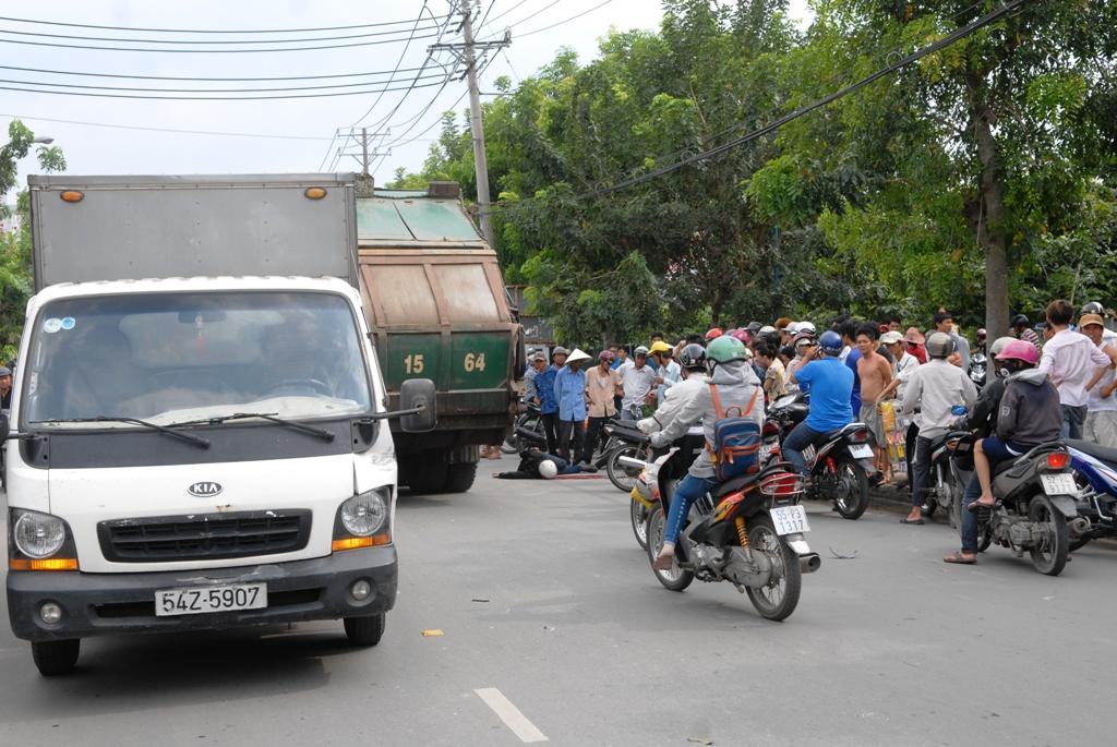 Đối đầu với xe tải khiến nam thanh niên tử vong tại chỗ trên đường CN1