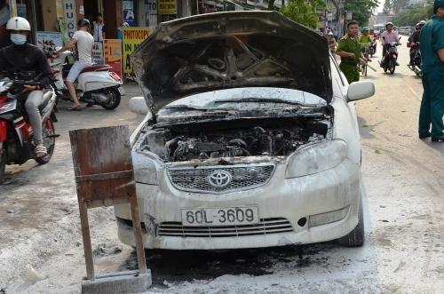 Ô tô bị cháy hư nặng phần đầu