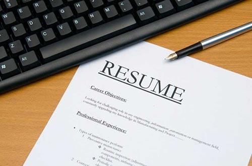 Khi viết hồ sơ tìm việc, ứng viên hãy kiểm tra lỗi chính tả và cách trình bày cho phù hợp
