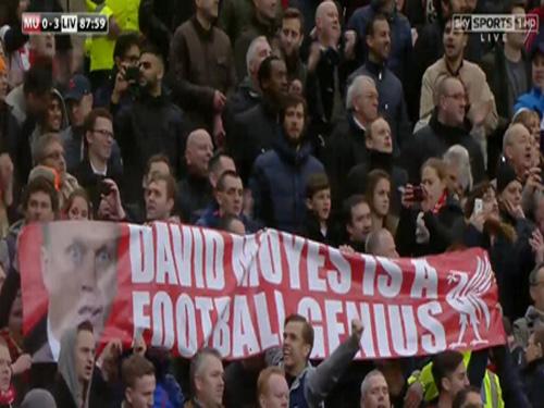 Những tấm băng rôn như thế này sẽ không được xuất hiện trên sân Old Trafford kể từ mùa giải mới