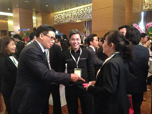 """Các doanh nhân và chuyên gia kinh tế trao đổi tại diễn đàn """"Việt Nam - Cơ hội mới""""  Ảnh: THÁI PHƯƠNG"""