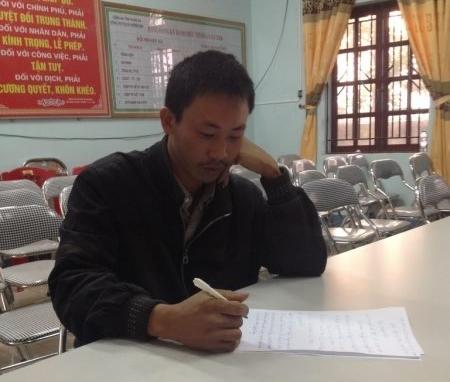 Tại cơ quan công an Nguyễn Văn Lập khai nhận mình chỉ là người chở thuê cá thể hổ. Ảnh: Nghĩa Đàn