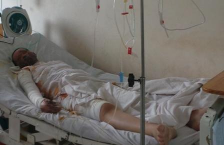 Bệnh nhân đang điều trị trong tình trạng khá nguy kịch.