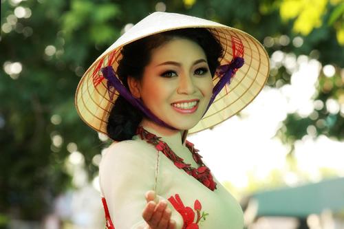 Tên tuổi nữ ca sĩ Anh Thơ gắn với nhiều ca khúc trữ tình, lãng mạn