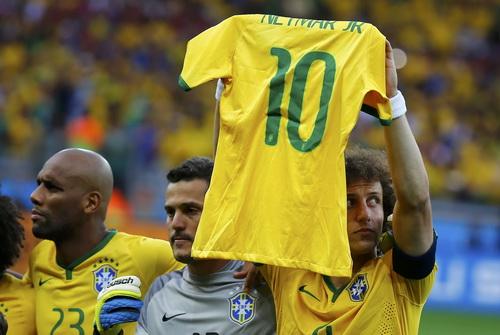 Dunga cho rằng hành động của tuyển Brazil quá ủy mị, không phù hợp với World Cup