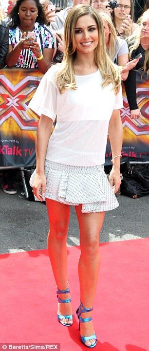 """Cheryl Cole hào hứng trở lại """"ghế nóng"""""""