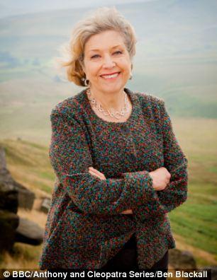 Nữ diễn viên Anne Reid