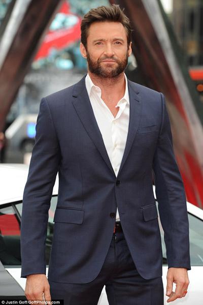 """Hugh Jackman suýt tự cắt """"của quý"""" vì móng vuốt"""