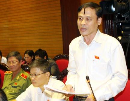 """ĐB Nguyễn Bắc Việt (Ninh Thuận) thẳng thắn: """"Phong tướng phải hợp lòng dân, nhưng người dân nói không muốn có quá nhiều tướng"""". Ảnh: Internet"""