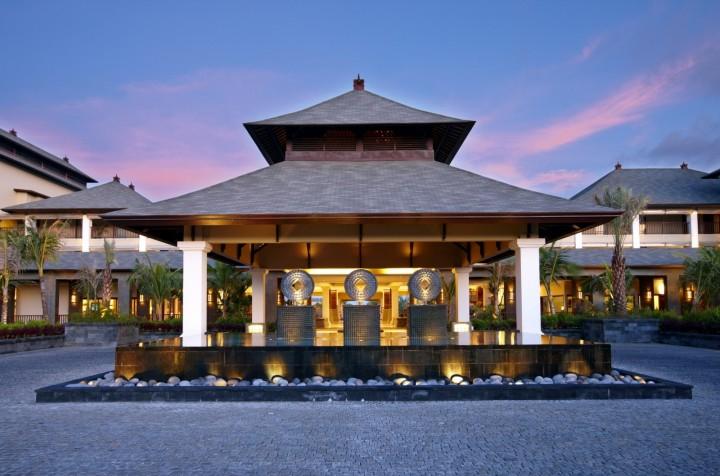 Khách sạn St Regis trong khu nghỉ dưỡng Dusa Nua ở Bali. Ảnh: Flickr