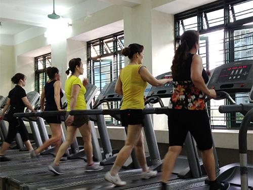 Một chế độ ăn uống hợp lý, khoa học, kết hợp với thể dục thể thao sẽ giúp bạn có thân hình cân đối,  săn chắc, khỏe mạnh