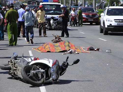 Một tai nạn giao thông làm 2 nữ sinh chết tại TP Đà NẵngẢnh: Bích Vân