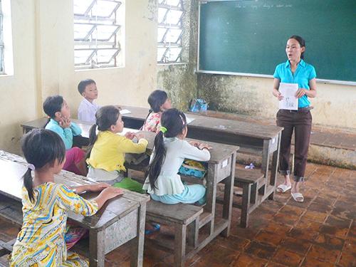 Giáo viên là một trong những đối tượng hưởng lương thấp. Trong ảnh: Một lớp học của Trường Tiểu học Danh Coi (xã Đông Hưng B, huyện An Minh, tỉnh Kiên Giang)Ảnh: Thốt Nốt