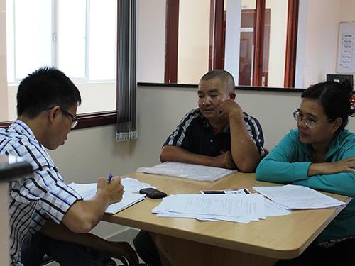Nhiều hộ dân mua nhà ở địa chỉ 2117/7B Phạm Thế Hiển, phường 6, quận 8, TP HCM lâm vào cảnh tiền mất tật mangẢnh: HOÀNG THIỆU