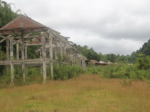 Khu tái định cư số 2 của tộc người Đan Lai đang bị bỏ hoang
