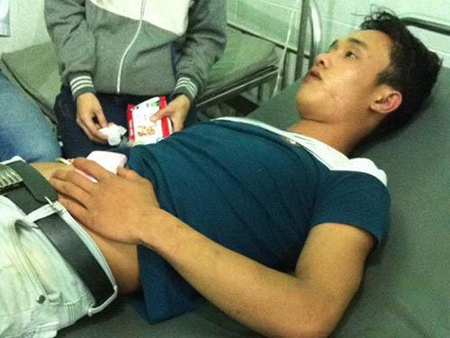 Nguyễn Hồng Khởi sau khi được đưa đến bệnh viện cấp cứu