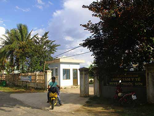 Trung tâm Y tế huyện Phước Sơn, nơi xảy ra vụ 3 trẻ sơ sinh tử vong chỉ trong vòng chưa đầy 24 giờ