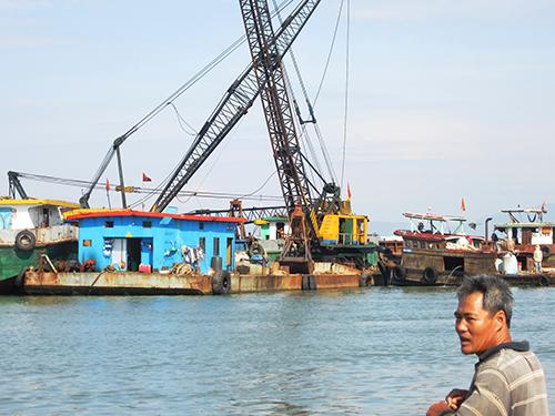 DNTN Bảo Châu khai thác cát ở cửa sông Đà Diễn