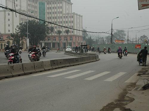 Đoạn đường Trường Chinh bị uốn cong đột ngột làm người dân bức xúc