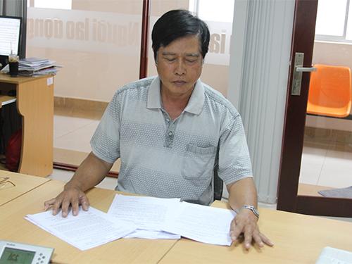 Ông Trần Văn Ẩn (ngụ xã Thới Tam Thôn, huyện Hóc Môn, TP HCM) bức xúc vì người ở nhờ không trả lại đất cho mình