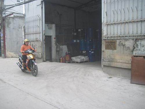 Sản xuất của Công ty TNHH Sơn Tuyên Đức gây lo lắng cho người dân xung quanh