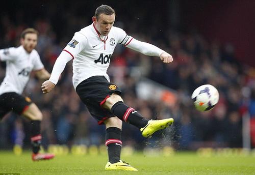 Cú sút gần nửa sân thành bàn của Rooney trong trận gặp West Ham