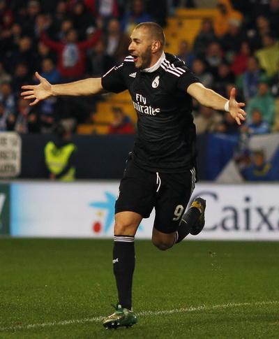 Benzema ghi bàn rất sớm, mở tỉ số cho Real Madrid