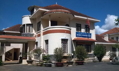 Biệt thự số 39 Hùng Vương, P.9 (Đà Lạt), trụ sở Ban Quản lý các khu công nghiệp, rao bán 25,7 tỉ đồng nhưng chưa có người mua