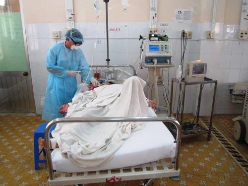 Bệnh nhân Bo Bo Thị Xuất được điều trị tại phòng cách ly của Khoa Truyền nhiễm, Bệnh viện đa khoa tỉnh Khánh Hòa
