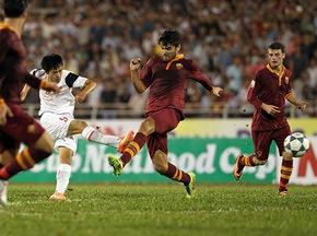 Xông xáo giữa vòng vây dày đặc của U19 AS Roma