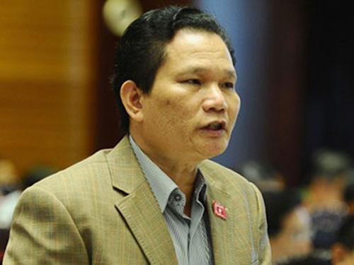Đại biểu Bùi Sỹ Lợi nêu ra trường hợp ông Nguyễn Minh, nguyên tổng giám đốc công ty Huda, khi nghỉ hưu vẫn lành  lương 65 triệu đồng/tháng để nói về bất cập của chính sách BHXH