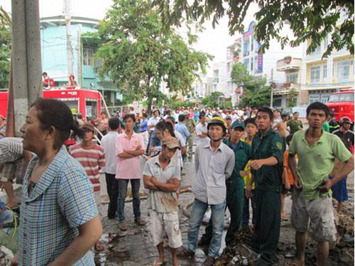 Xem cháy kho phế liệu ở An Giang