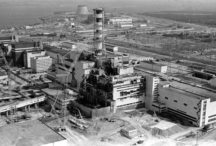 Lò phản ứng số 4 sau vụ nổ (ảnh chụp hồi tháng 5-1986). Ảnh: Reuters