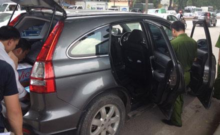 Nạn nhân bị đâm chết khi đang ngồi trong xe ô tô Honda CRV