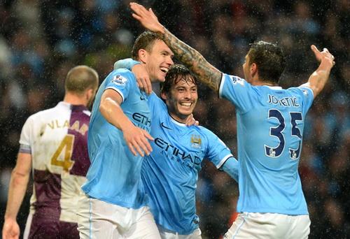 Trước mắt Man City là danh hiệu vô địch thứ nhì sau ba mùa giải