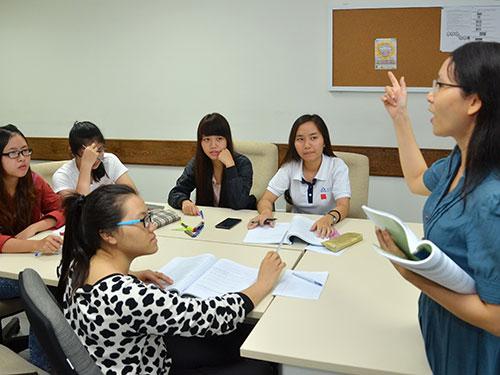 Sinh viên Trường ĐH Hoa Sen đang trong giờ học của học kỳ hè 2014 Ảnh: TẤN THẠNH