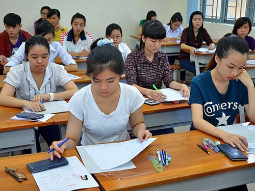 Thí sinh dự thi vào Trường ĐH Sài Gòn năm 2014 Ảnh: TẤN THẠNH