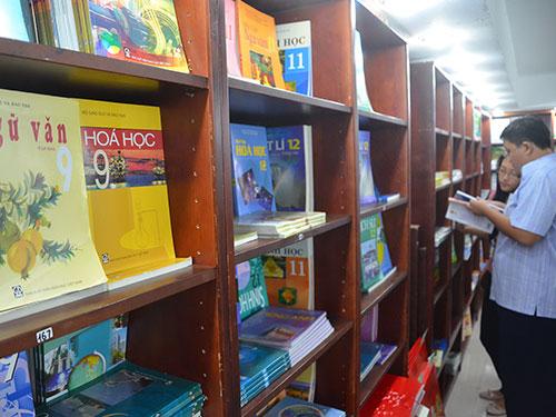 Cần có nhiều bộ sách giáo khoa để giáo viên chủ động lựa chọn cho bài giảng Ảnh: TẤN THẠNH