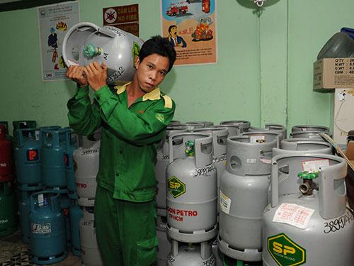 TP HCM có khoảng 1.300 cửa hàng bán lẻ gas đang hoạt động, trong đó chiếm 3/4 là hộ kinh doanh cá thể Ảnh: Hồng ThÚy
