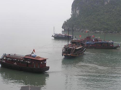 Di sản thế giới vịnh Hạ Long chỉ đóng góp gần 2% nguồn thu ngân sách cho tỉnh Quảng Ninh Ảnh: THẾ DŨNG