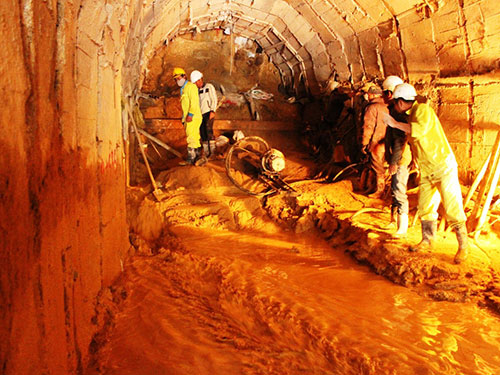 Vị trí hầm thủy điện Đạ Dâng bị sập, suýt chôn sống 12 công nhân Ảnh: Kỳ Nam