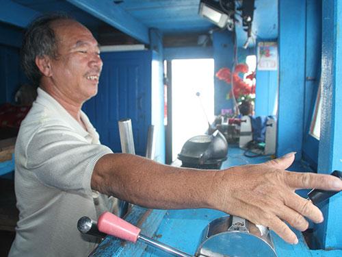 """""""Anh hùng"""" đại dương Huỳnh Văn Tạo chuẩn bị cho chuyến ra khơi ở ngư trường Hoàng Sa"""