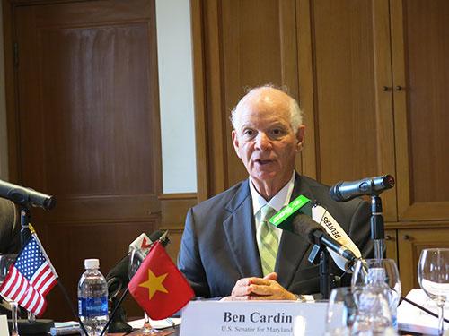 Thượng nghị sĩ Mỹ Benjamin Cardin khẳng định việc tàu Trung Quốc đâm chìm tàu cá của Việt Nam hoàn toàn sai trái