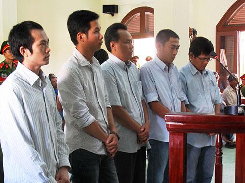 """5 bị can nguyên là cán bộ Công an TP Tuy Hòa, Công an tỉnh Phú Yên bị truy tố tội """"Dùng nhục hình"""""""