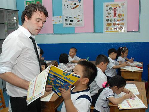 Học sinh Trường Tiểu học Minh Đạo (quận 5, TP HCM) trong giờ học chương trình tiếng Anh Cambridge Ảnh: Tấn Thạnh