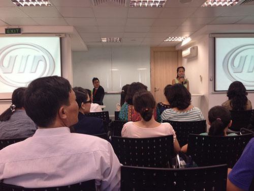 Hàng trăm người tham dự buổi thuyết giảng giới thiệu sản phẩm Age LOC của Nu Skin