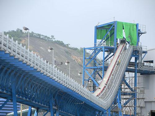 Trung Quốc trúng thầu 90% dự án về điện của nước ta. Trong ảnh: Dự án Nhiệt điện Quảng Ninh Ảnh: TRỌNG ĐỨC