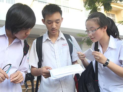 Học sinh dự thi tốt nghiệp THPT năm 2013