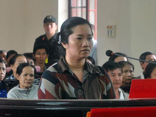 Bị cáo Lê Thị Hường tại phiên tòa sơ thẩm ngày 6-3
